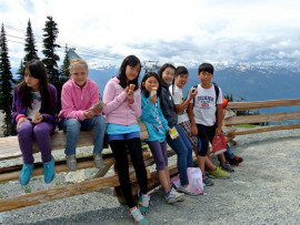 Студенты Bodwell High School Whistler в горах